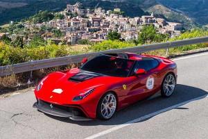 Carro de R$ 9,3 milhões é lançado pela Ferrari