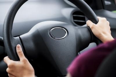 Seguro cobre sinistro quando outra pessoa está dirigindo?