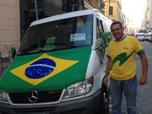 Vista seu carro com a bandeira do Brasil