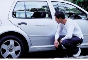 Fique de olho nos arranhões do carro, pois o seguro não cobre