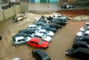 Seguro cobre inundação na garagem de prédio?