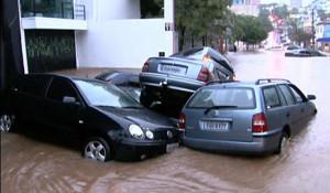 Seguro auto salva carros em enchentes de São Paulo