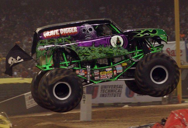 "Monster Truck ""Grave Digger"""