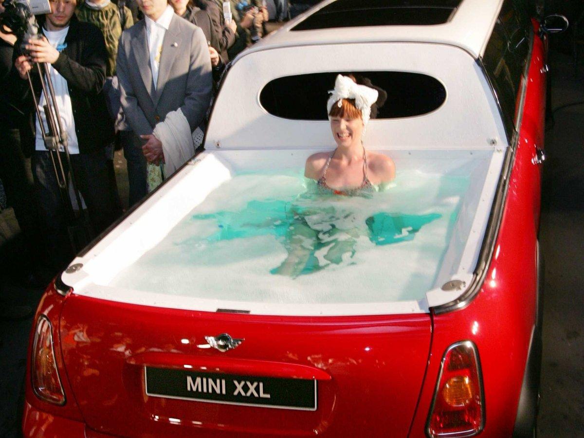 1 – Carro, piscina ou banheira?