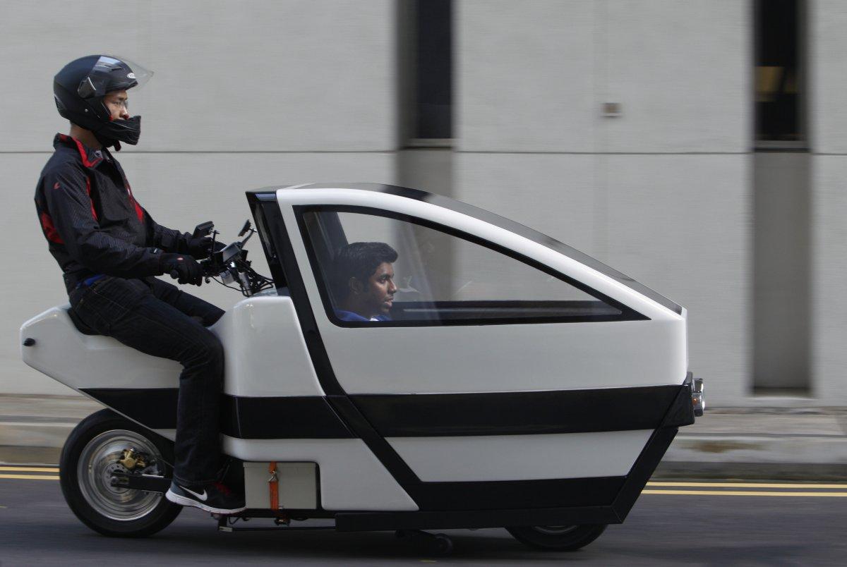 11 – Metade moto, metade carro