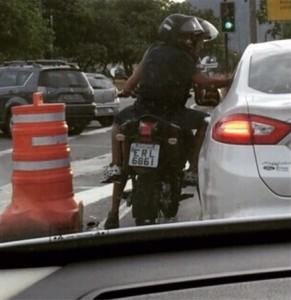 Cuidado com golpes e assaltos no trânsito
