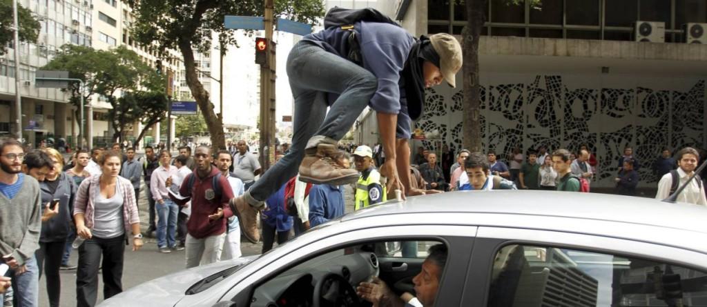 Danos ao veículo em manifestações, o seguro cobre?