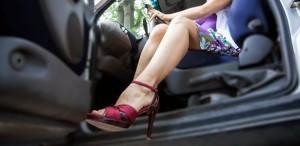 Sapatos e direção: você sabe qual é o calçado ideal para usar ao volante?