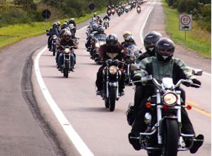 Dicas para a segurança do motociclista, na estrada e na cidade