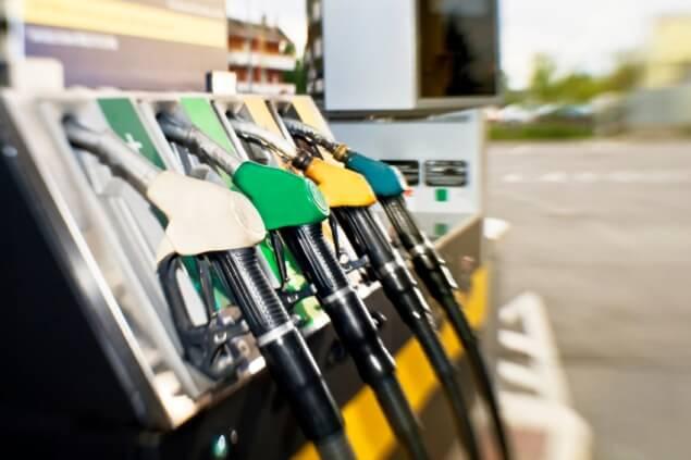 e7ffcf72c94 Gasolina ou etanol  faça as contas e veja o que compensa mais