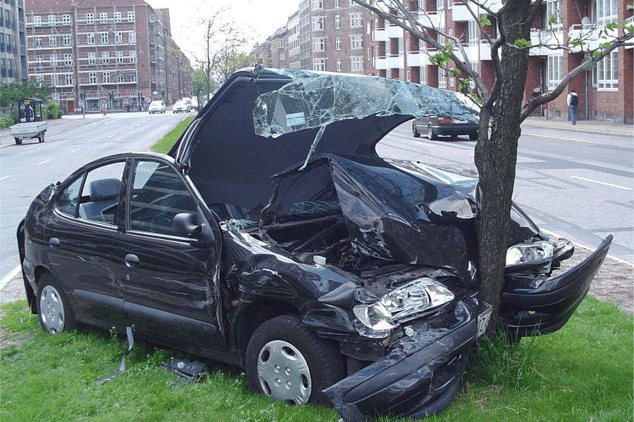 Quem se envolve mais em acidentes de carro?