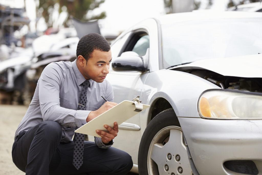 Aprenda a avaliar um carro usado como especialista