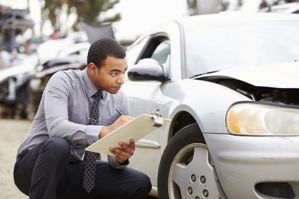 Cuidado para não ser pego em fraudes do seguro auto