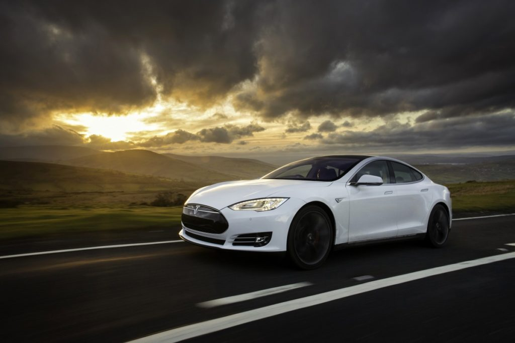 Ouro: Tesla Model S