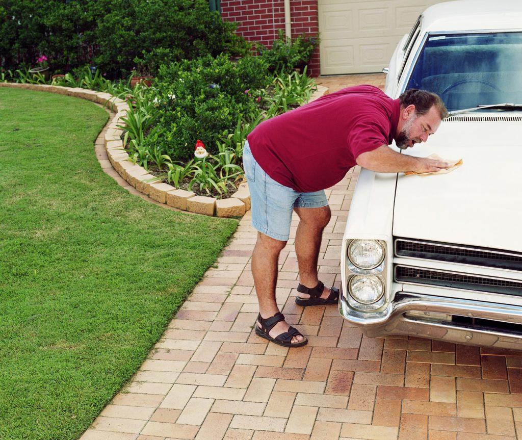 Como lavar o carro sem gastar água