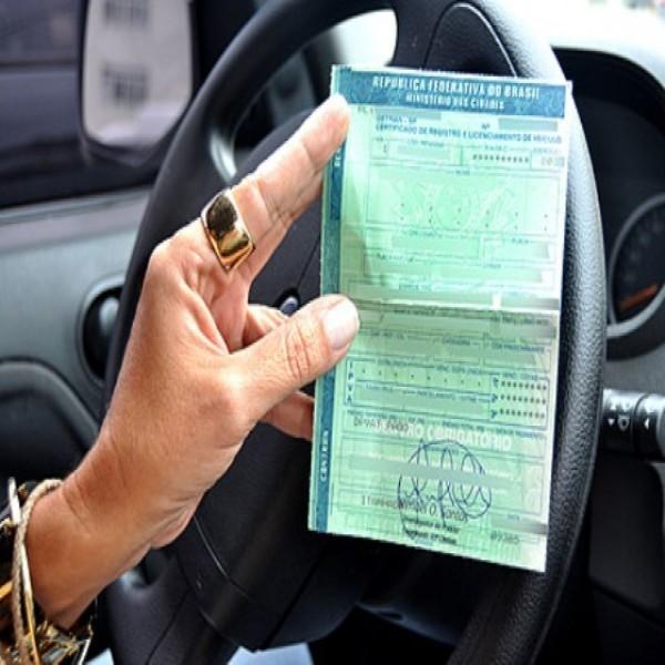 O documento de licenciamento – CRLV – é de porte obrigatório!