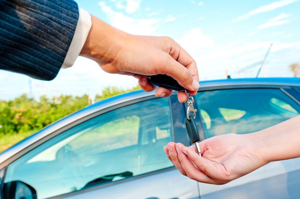 8 passos cruciais que deve seguir ao preparar o carro para venda