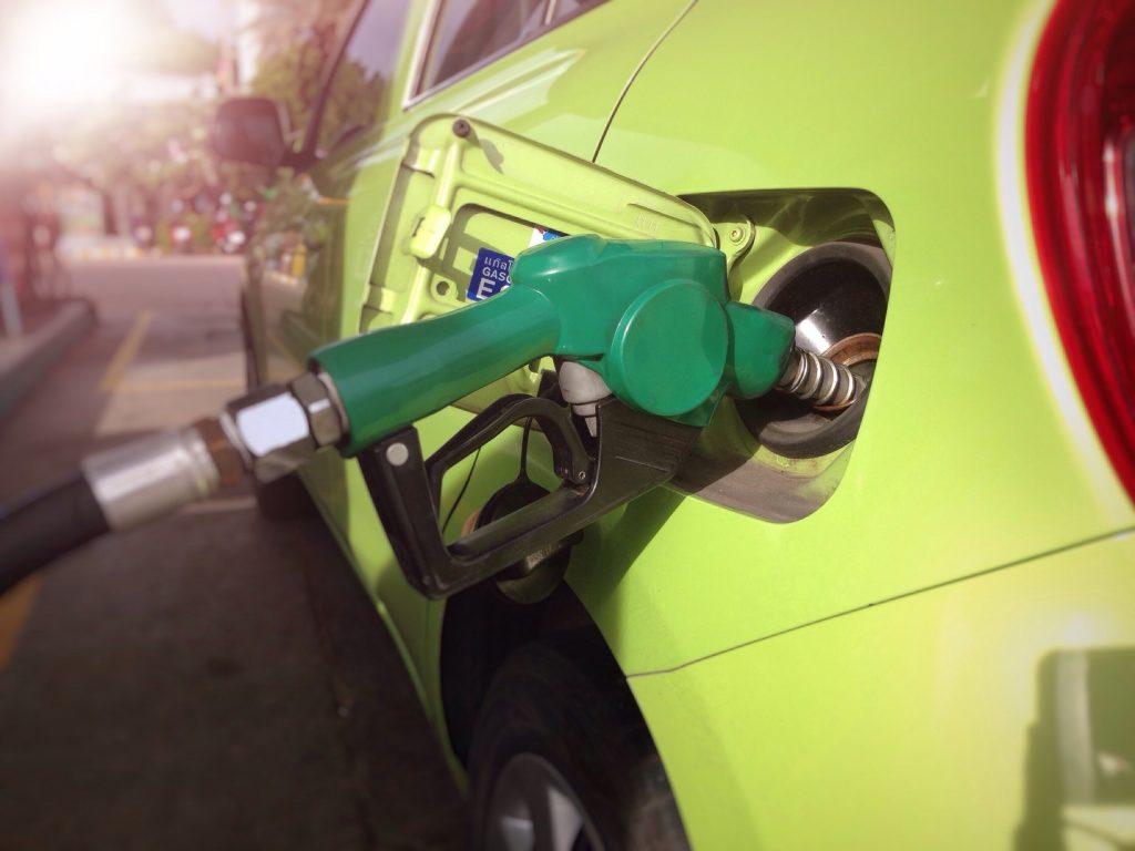 13 dicas para economizar combustível que talvez ainda não conheça