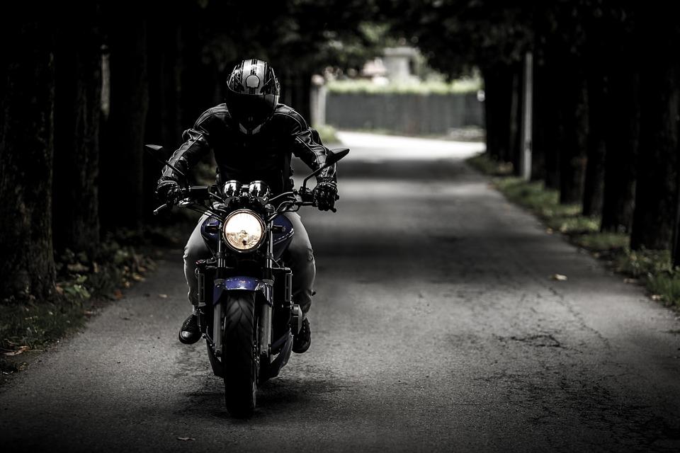 9 grandes riscos que os motociclistas correm nas estradas