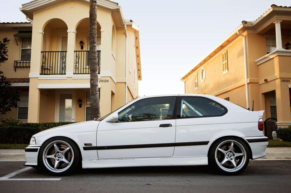 BMW 318ti 1995