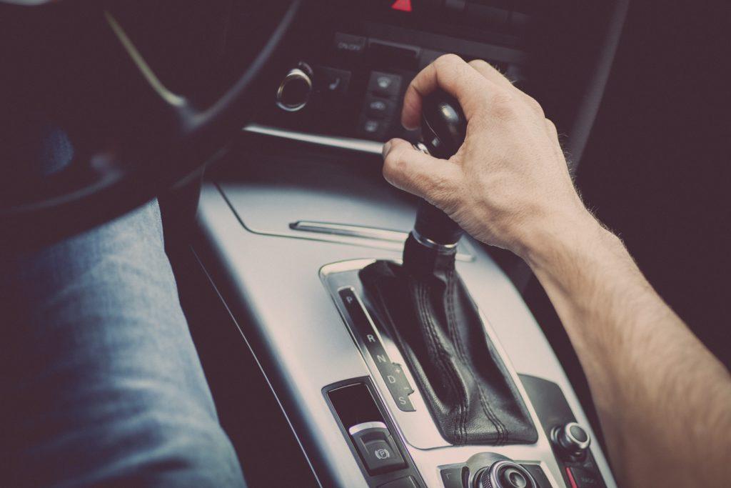 4 tipos de transmissões de carro que você precisa saber diferenciar