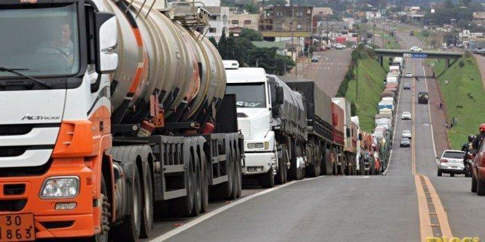 Por que o preço dos combustíveis parou o Brasil?