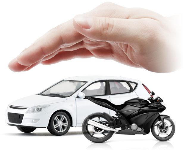 Entenda a diferença entre o seguro de carro e de moto